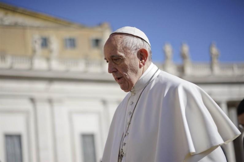 Ватикан загрижен поради заканите на ИД кон Папата