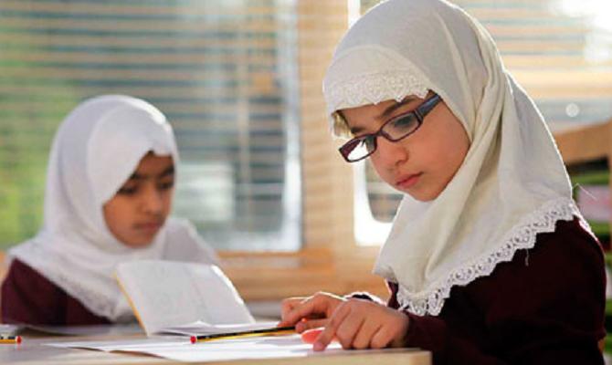 Народниот правобранител: На ученичките што носат шамии да не смее да им се забрани посетување настава