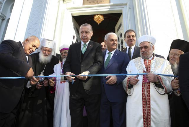 """Борисов и Ердоган ја отворија црквата """"Свети Стефан"""" во Истанбул"""