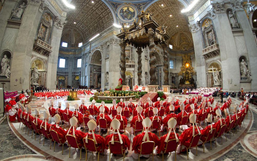 Шестмина кардинали од Ватикан оваа година ќе го изгубат правото на глас
