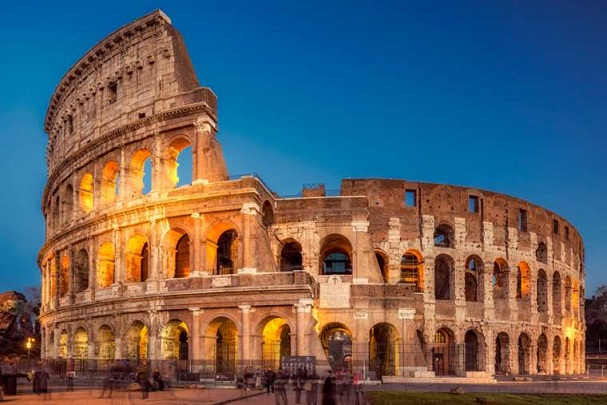 Римскиот Колосеум ќе светне во црвено  во знак на крвта на убиените Христијани
