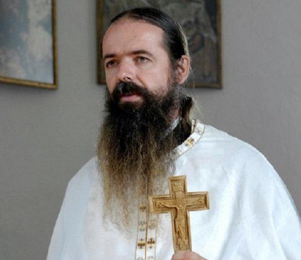 Српски Игумен им одговори на грчките националисти – Браќа Грци, Македонија не ќе да е грчка!