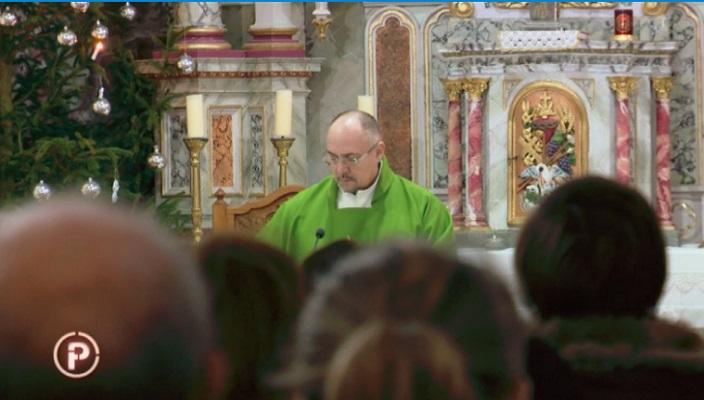 Верниците се дигнаа против свештеникот   Каде се парите