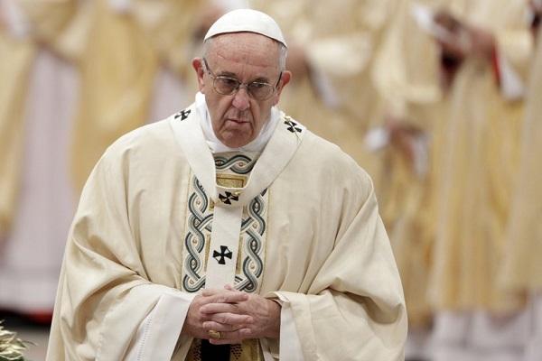 Папата обвинет дека молчел за сексулано злоставување за кое бил информиран