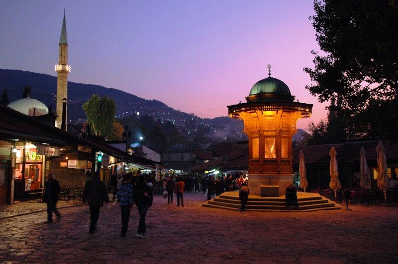 Од Босна се селат и попови и оџи