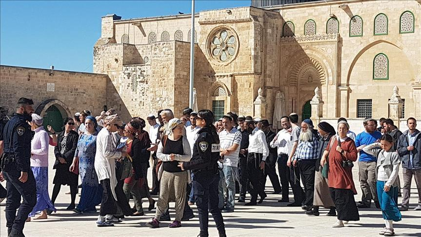 Група од 152 еврејски екстремисти упаднаа во дворот на Ал-Акса