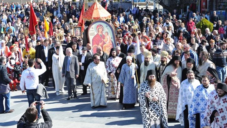 Светогорски монаси застанаа зад МПЦ-ОА во Струмица