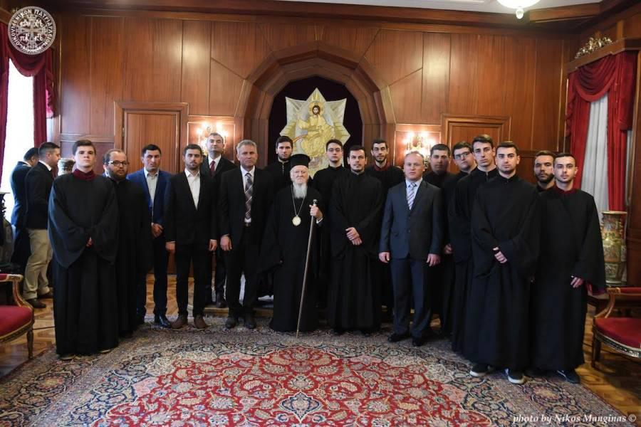 Вселенскиот патријарх пред ученици од Македонија – Константинопол е Вашата Мајка Црква
