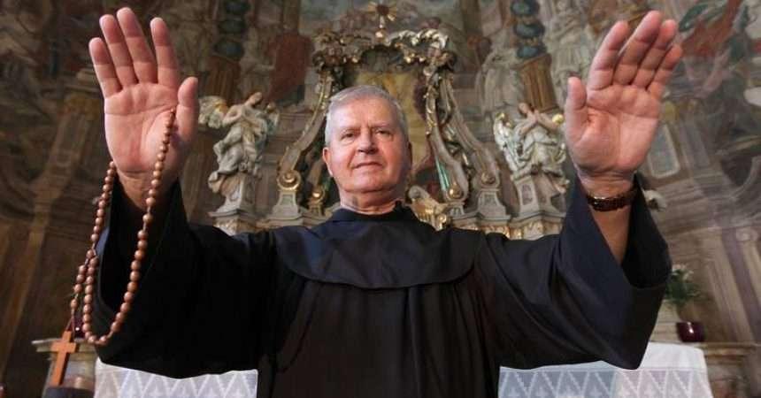 Ватикан отвора курс за егзорцисти