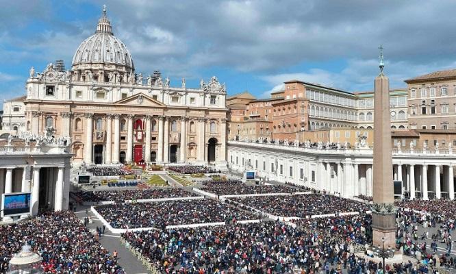 Папата во Велигденската порака повика на прекин на помирување во светата земја