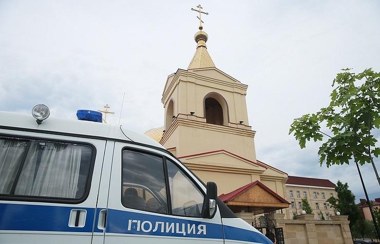 Терористички напад во црква – има мртви