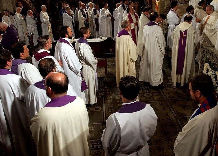 Чилеански бискупи му понудија на папата да се повлечат поради скандал со малтретирања