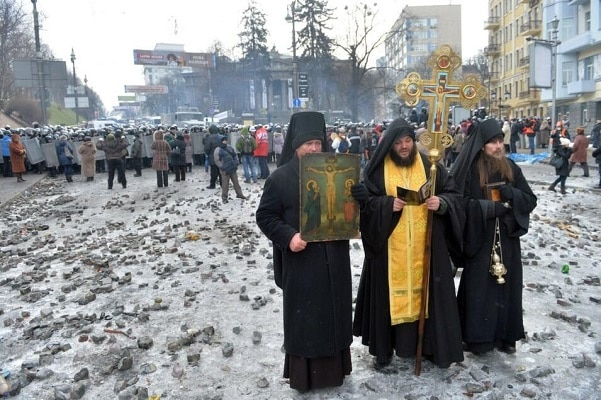 Украина сака да ги прекине односите со Руската православна црква