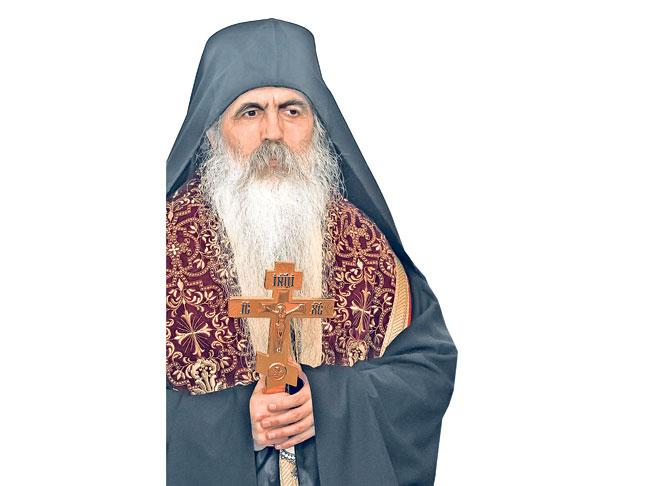 Бачкиот епископ Иринеј му се заканува на Вселенскиот патријарх, ако прогласи автокефалност во Македонија