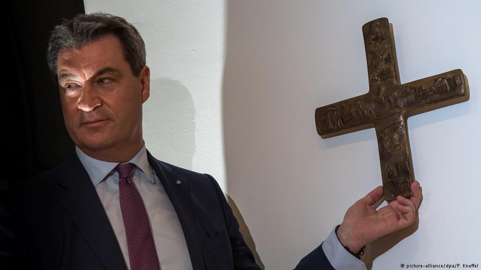 Баварија со крстови насекаде ќе докажува дека е христијанска