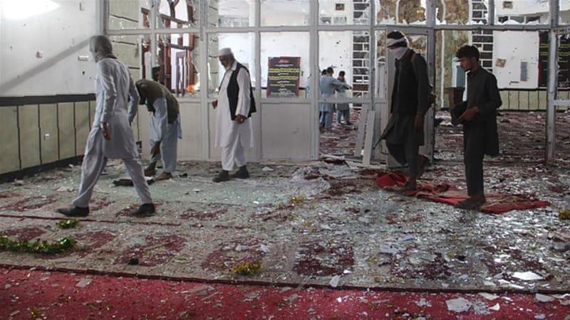 Самоубиствен напад во џамија Авганистан, најмалку 39 загинати