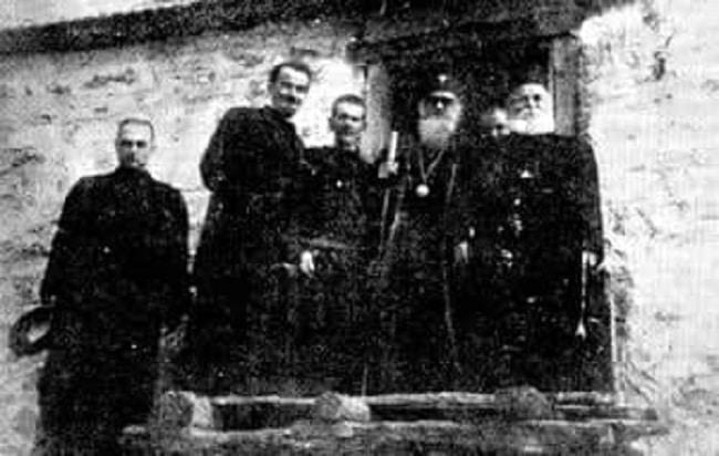 Зраците на слободата првпат засветлеа во 1943 година во Издеглавје