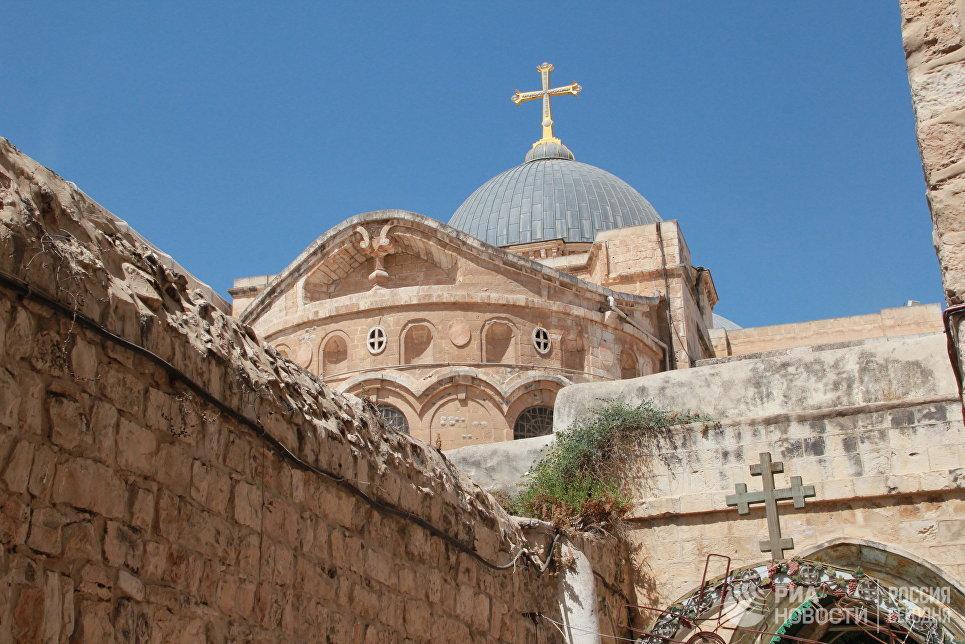 Руската црква се закани дека ќе прекине служби во црквата на Светиот Гроб во Ерусалим
