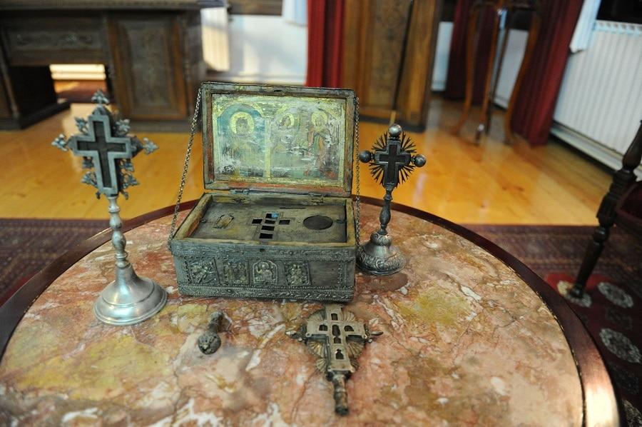 На манастирот на Пресвета Богородица-Пречиста и е вратена голема светиња украдена пред четири години
