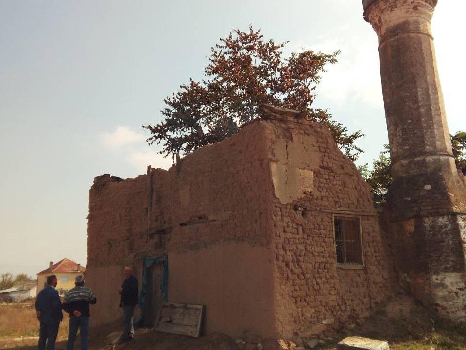Запалена џамија во прилепско стара 350 години, ИВЗ се сомнева во подметнат пожар