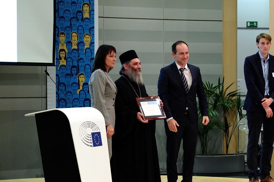 Архимандрит Партениј ја прими наградата од Европскиот парламент во Брисел
