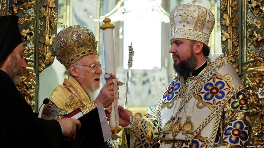 Поглаварот на автокефалната црква на Украина во присуство на Порошенко го спомна и  патријархот Кирил