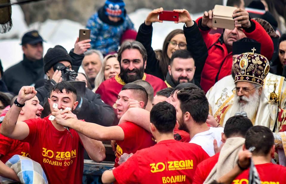 Јове Стојчевски прв стигна до крстот во Битола