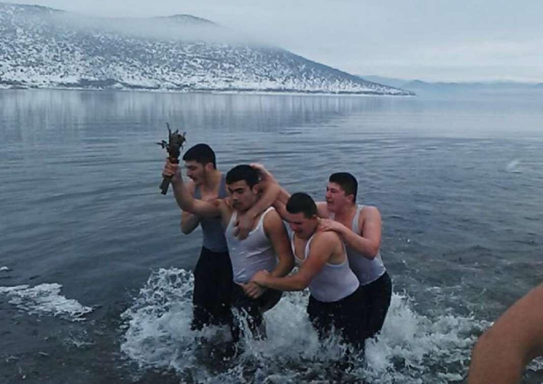 Богојавление го прославија и Македонците во Албанија