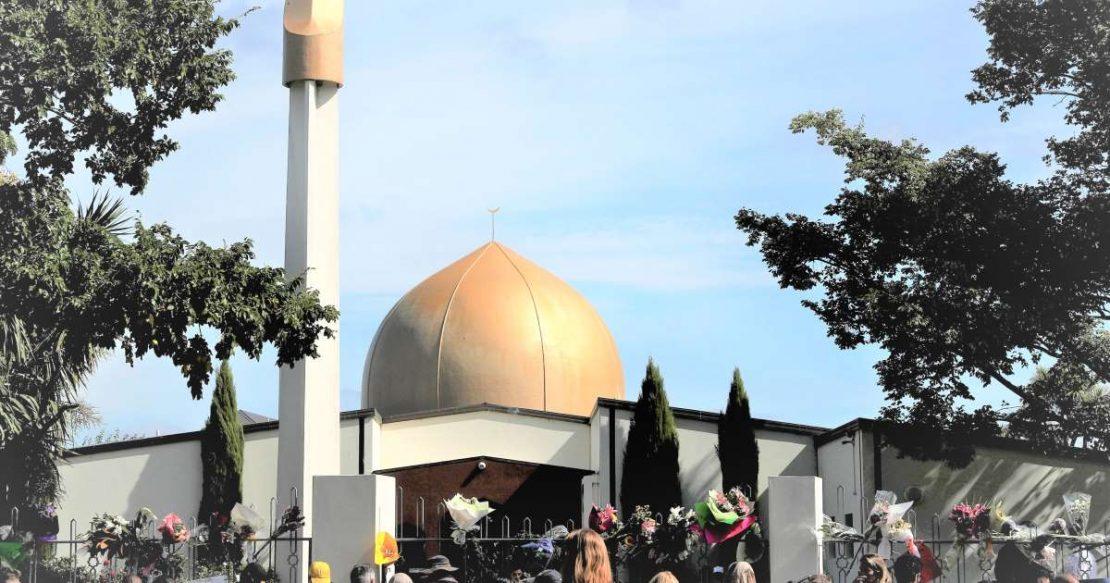 Повторно отворени џамиите во Крајстчерч, први влегоа преживеаните од масакрот