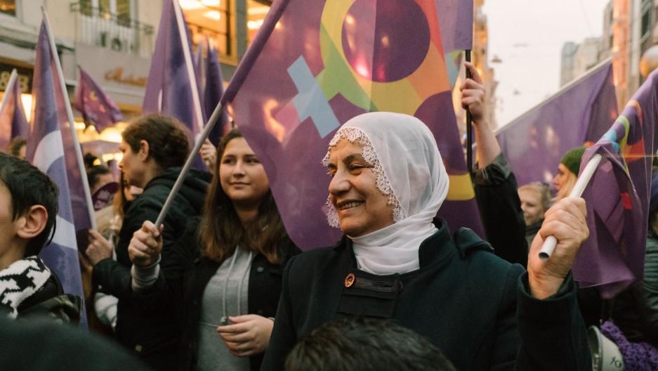 Ердоган ги обвини учесничките на протестниот марш за непочитување на верата