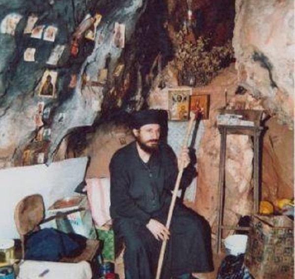 Единствениот монах Македонец со потекло од Лерин се моли на македонски на Света Гора