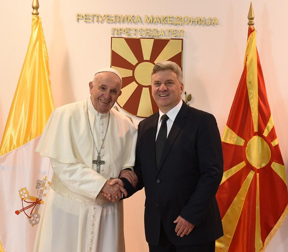Папата Франциск импресиониран од претседателот Иванов: Во Македонија има верска почит!