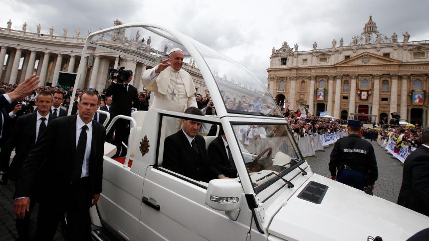 Скопје се радува на доаѓањето на Папата