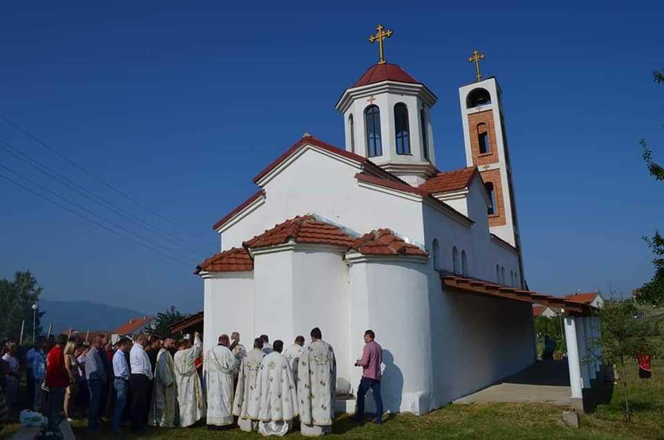 По 15-годишна изградба, осветена црквата во виничкото село Трсино