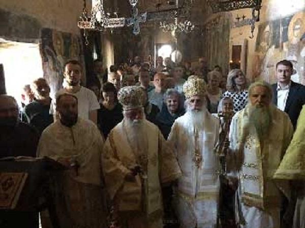Владиците Петар и Тимотеј на заедничка служба во манастирот Зрзе