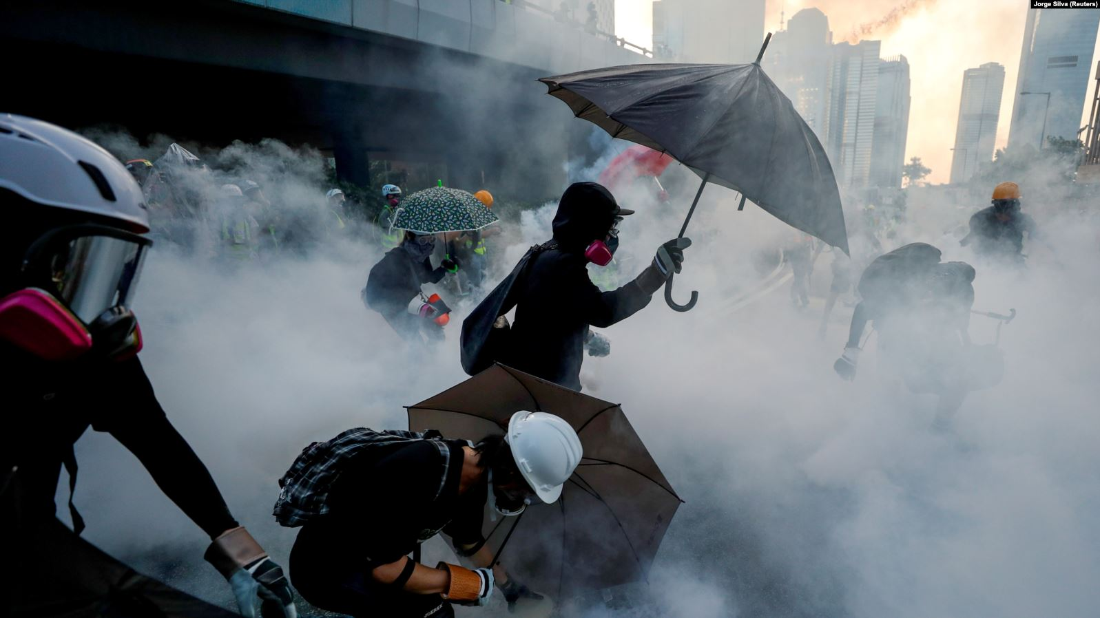 Судири во Хонконг на протест за поддршка на Ујгурите