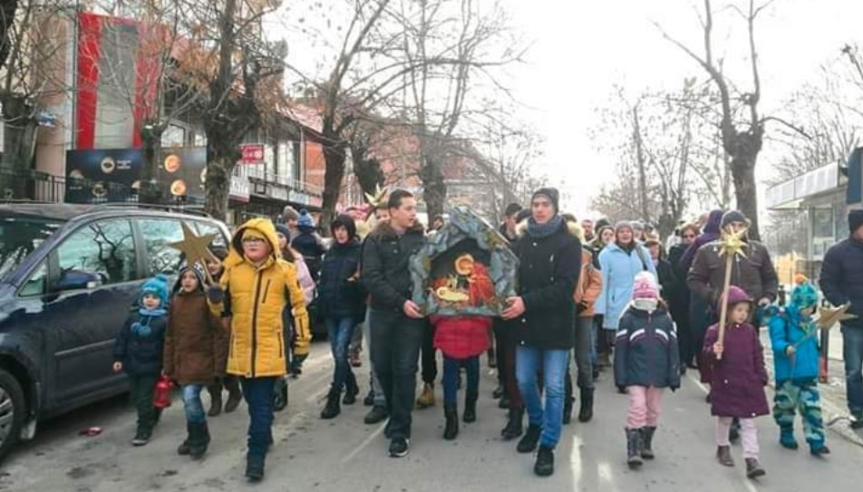"""Бадникова поворка по вторпат во Дебар – """"Вечниот бог"""" ќе се пее низ главната улица"""