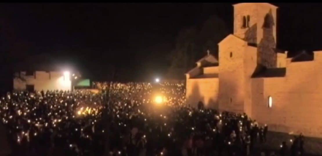 Бадник во Црна Гора ги подели верниците на црногорската и српската православна црква