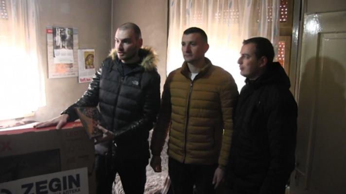 Чесниот фаќач на крстот во Делчево го донираше освоениот телевизор