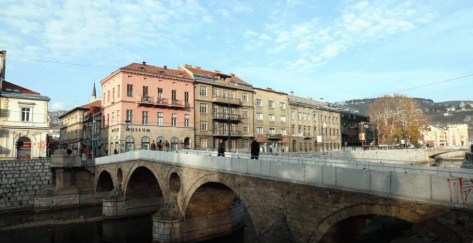 Во Сараево заедничка молитва за жртвите од војната во БиХ