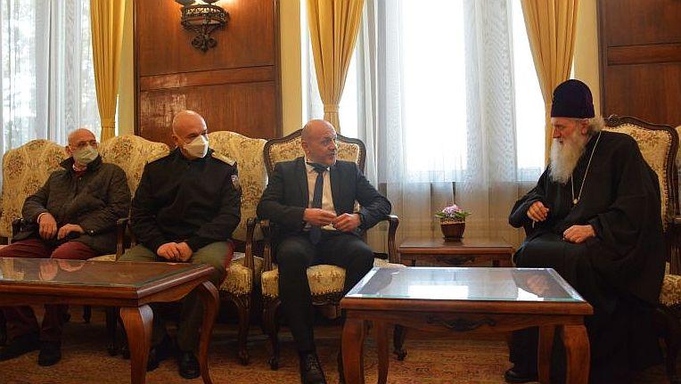 Бугарската црква не ги менува мерките за заштита