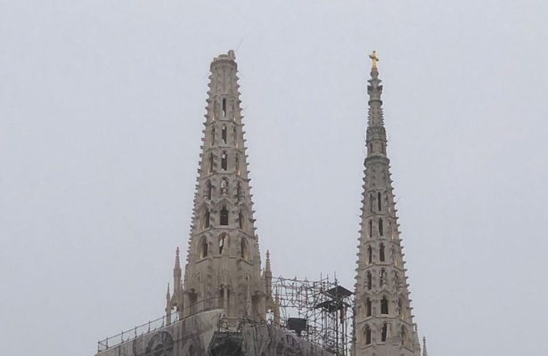 Катедрала оштетена по земјотресот во Загреб – од едната кула паднал крстот