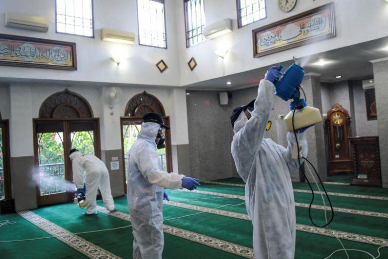 Во Сингапур времено затворени џамиите заради дезинфекција