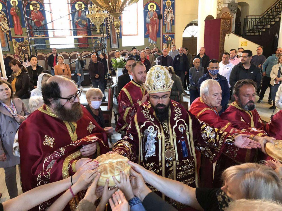 Спомен за Светите Кирил и Методиј во Тетово