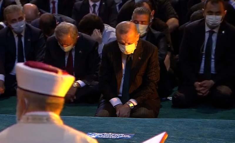 Зошто Ердоган реши токму денеска да влезе и да се моли во Аја Софија?