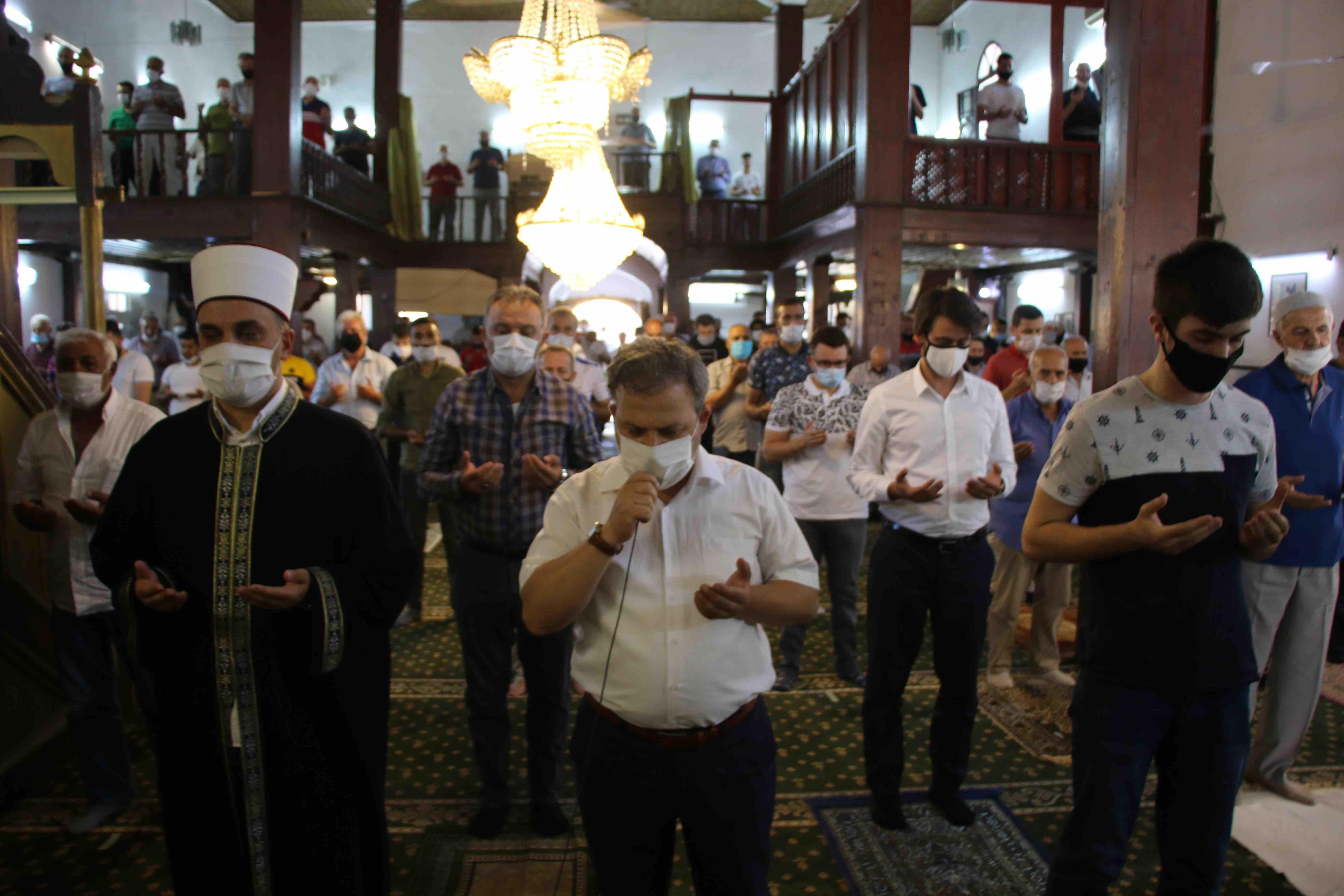 Во џамиите во Македонија молитви за првиот намаз во Аја Софија