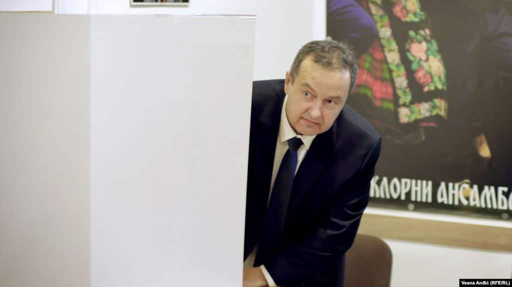 Дачиќ вели Македонија да не бара заобиколни патишта за признавање на МПЦ
