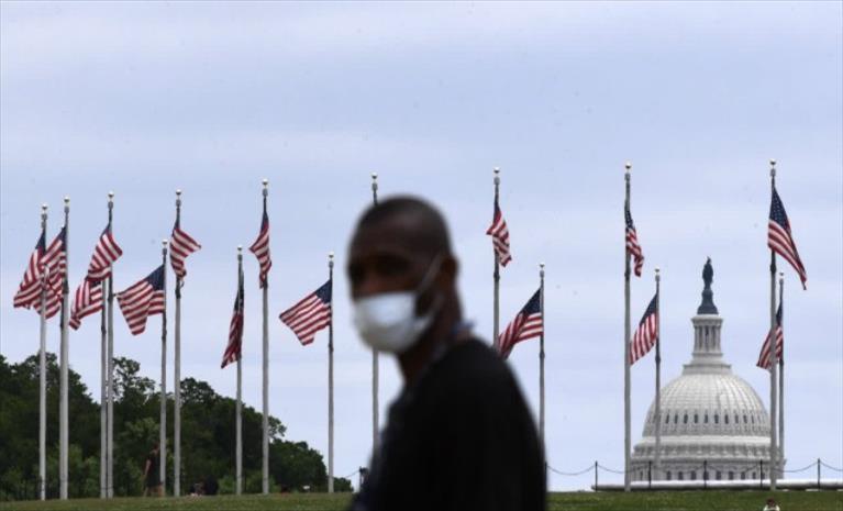 ГАЛУП: американците бегаат од религија откако политичарите ја мешаат со политиката