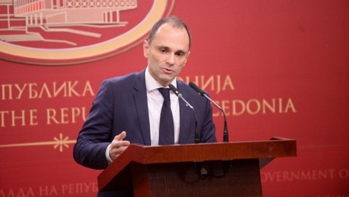 Филипче: Верските лидери да не повикуваат на собири во храмовите