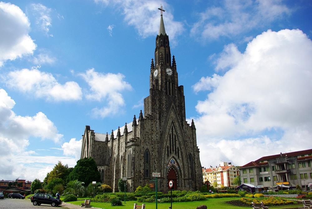 Катедралата на Пресвета Богородица – Канела, Бразил – Римокатоличка црква (Изградена е 1987)